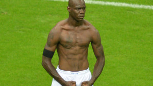 Mario-Balotelli-Italy-vs-Germany-Euro-2012_2875594